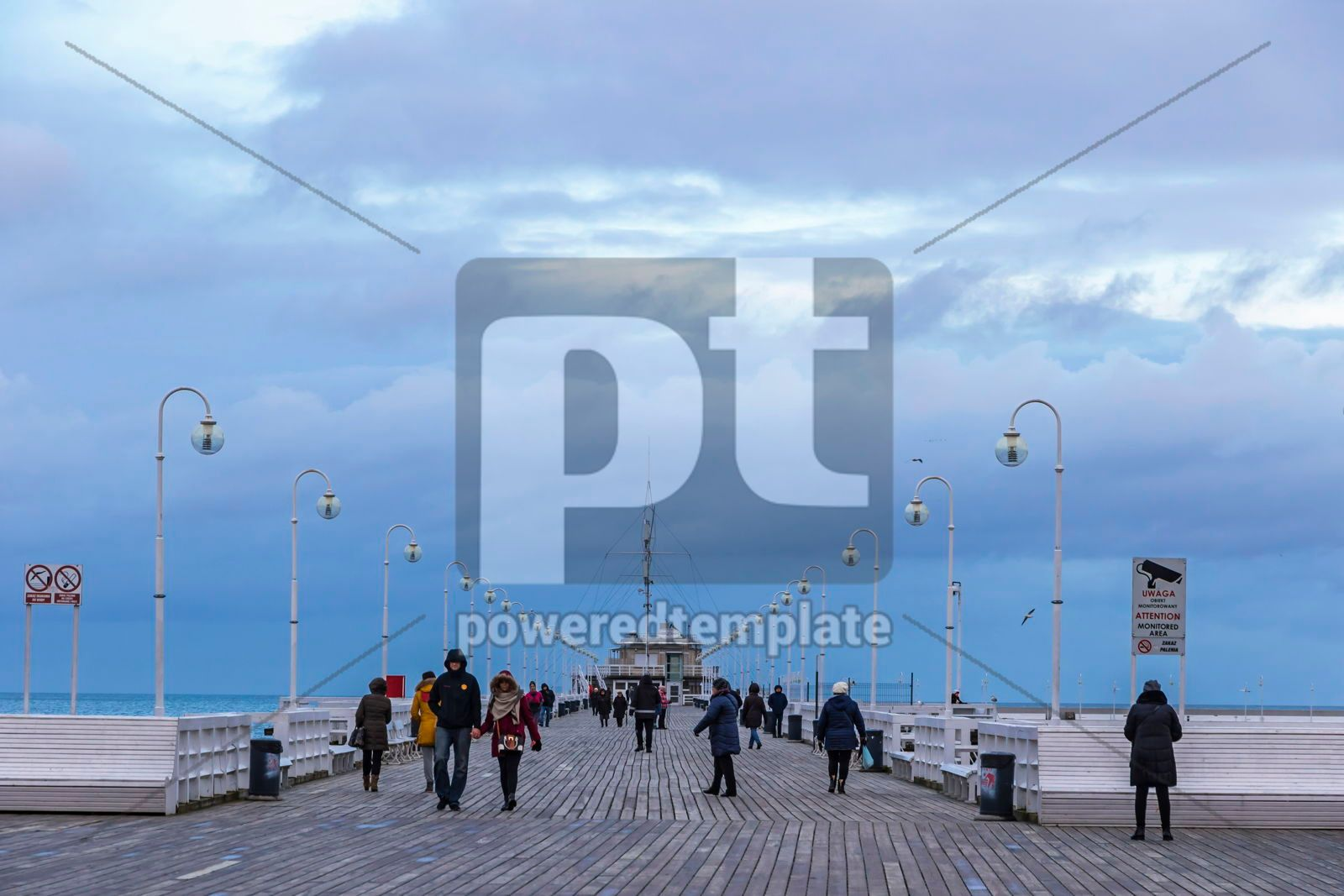 Sopot Pier Molo in the city of Sopot Poland, 16481, People — PoweredTemplate.com