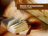 Education & Training: 本を開く - PowerPointテンプレート #00802