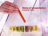 Medical: Templat PowerPoint Gratis Pengembangan Obat Baru #00949