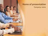 Education & Training: Discussie PowerPoint Template #01738