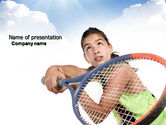 Sports: Mädchen mit tennisschläger Kostenlose PowerPoint Vorlage #03892