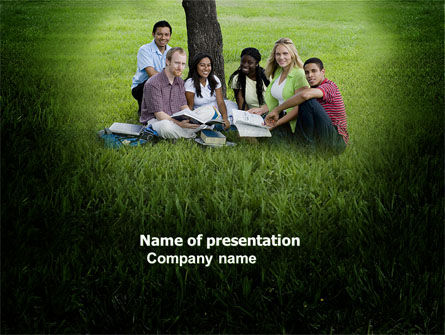 People: School Outing PowerPoint Template #03916