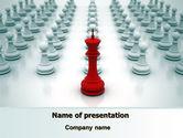 Education & Training: Modello PowerPoint - Re di scacchi pronti a combattere #07712
