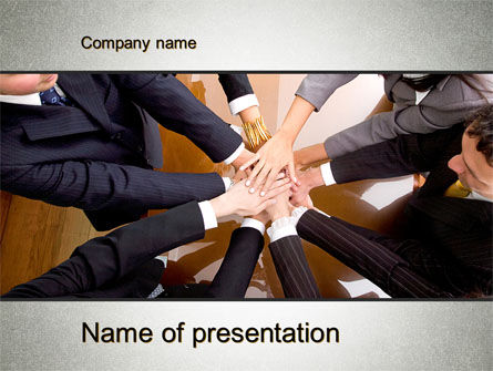 Working Collaboration in the Team PowerPoint Template