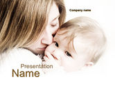 People: Kiss Your Baby PowerPoint Template #10074