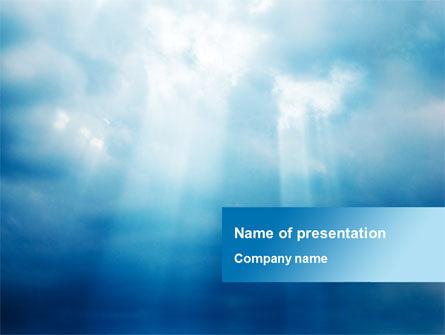 Nature & Environment: Modèle PowerPoint de poutres par des nuages #10102