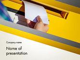 Careers/Industry: Het Verzenden Van Brief PowerPoint Template #12841