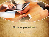 Telecommunication: Digital Verslaving PowerPoint Template #13630
