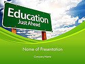 Education & Training: 파워포인트 템플릿 - 그냥 앞서 녹색 도로 표지판 교육 #14222