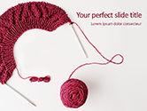 Careers/Industry: Modelo de PowerPoint Grátis - bola de lã e agulhas de tricô #15869