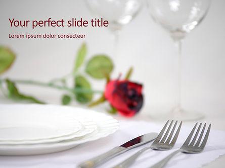 Careers/Industry: Plantilla de PowerPoint - dos tenedor al lado de cuchillo de mantequilla sobre la mesa #16021