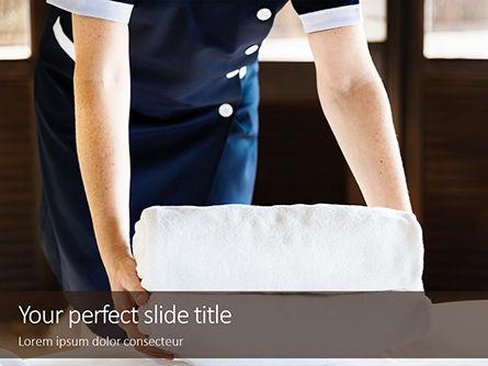 Careers/Industry: Plantilla de PowerPoint - ama de llaves limpiando una habitación de hotel #16077
