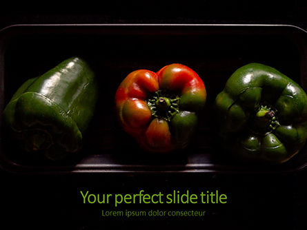 Food & Beverage: Modello PowerPoint Gratis - Three stuffed bell peppers on black plate #16182