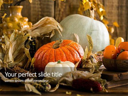 Food & Beverage: Plantilla de PowerPoint gratis - white and orange pumpkins on table #16186
