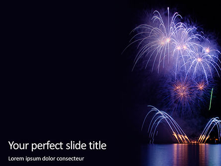 Holiday/Special Occasion: Plantilla de PowerPoint gratis - fireworks over water in the night #16196