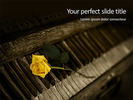 Art & Entertainment: Yellow Rose On Piano Keys Presentation Gratis Powerpoint Template #16490