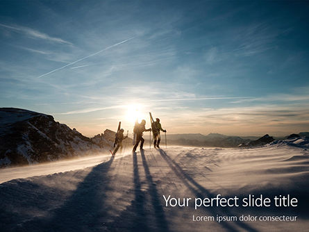 Sports: Modèle PowerPoint gratuit de three people climbing with skis presentation #16589